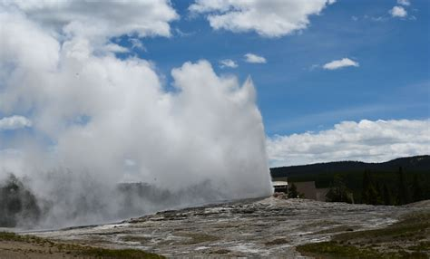 Woman Falls Into Thermal Feature at Yellowstone's Old