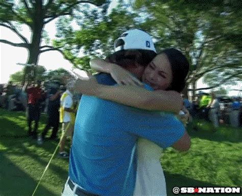 Jason Dufner celebrates with his wife - SBNation