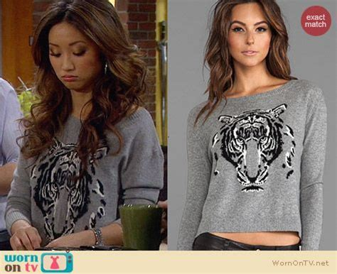 WornOnTV: Veronica's grey tiger sweater and white fluted