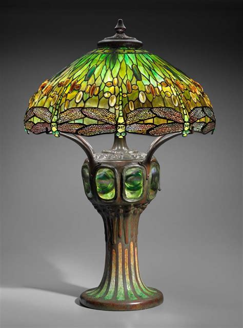 """""""Hanging Head Dragonfly"""" table lamp 